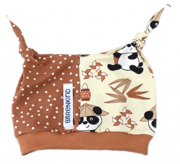 Hörnchen-Mütze Bär im Reisfeld